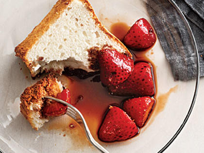Balsamic Strawberries with Angel Food Cake